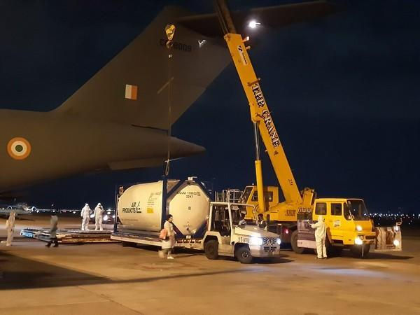 Indian Air Force C-17 aircraft loading oxygen tankers in Bangkok (File Photo/ANI)