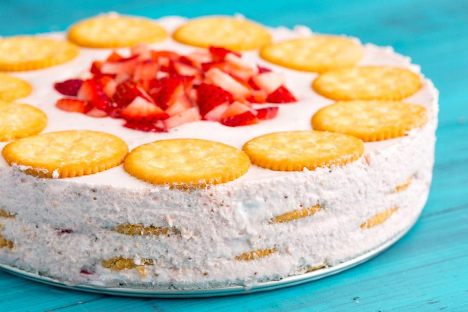"<p>This no-bake cake is the perfect balance of sweet, salty, crunchy, and creamy.</p><p>Get the recipe from <a href=""https://www.delish.com/cooking/recipe-ideas/recipes/a47619/strawberry-ritz-cake-recipe/"" rel=""nofollow noopener"" target=""_blank"" data-ylk=""slk:Delish"" class=""link rapid-noclick-resp"">Delish</a>.</p>"