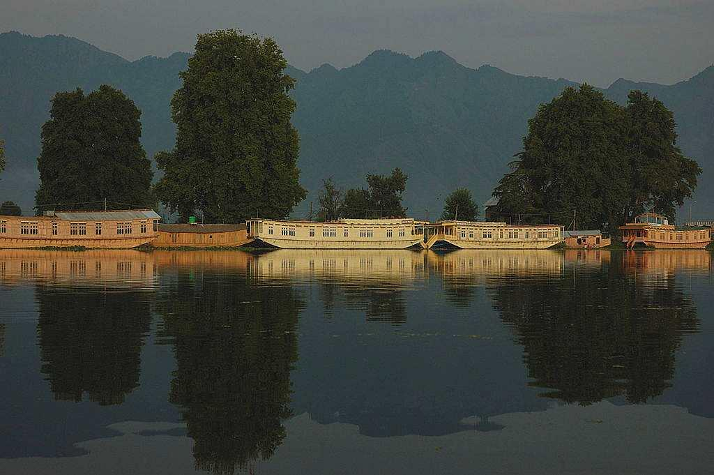 """<b>8. Kashmir </b><br><br>We all have always dreamt of enjoying a shikara ride on Dal Lake with our loved one, haven't we? What could be more romantic. Kashmir is synonymous with romance, be it the epic love stories of Bollywood shot here or the natural beauty that inspired poets and playwrights to write paeans for their love interests. Sarfraz from Mumbai agrees and says, """"Kashmir is by far, one of the best destinations within India. It's beauty, serenity will leave you nostalgic and in love."""" Paradise personified."""