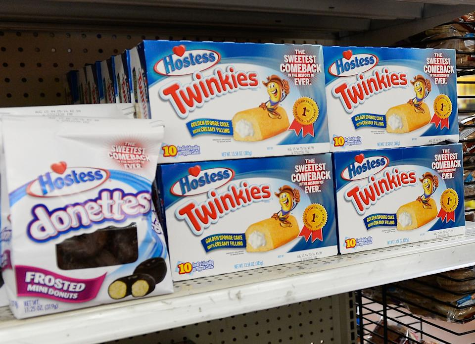 PICO RIVERA, CA - JULY 15:  Hostess Twinkie snack cakes and Donettes are on display at a store July 15, 2013 in Pico Rivera, California. Twinkies returned to store shelves after Hostess filed for Chapter 11 bankruptcy late last year, after years of management turmoil and a standoff with its second-biggest union. The company sold off its various brands, with Twinkies and other Hostess cakes going to private equity firms Apollo Global Management and Metropoulos & Co.  (Photo by Kevork Djansezian/Getty Images)