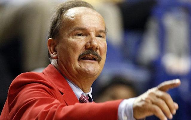 Kentucky boys' basketball coach Billy Hicks set the state's career wins record, and then didn't -- Associated Press