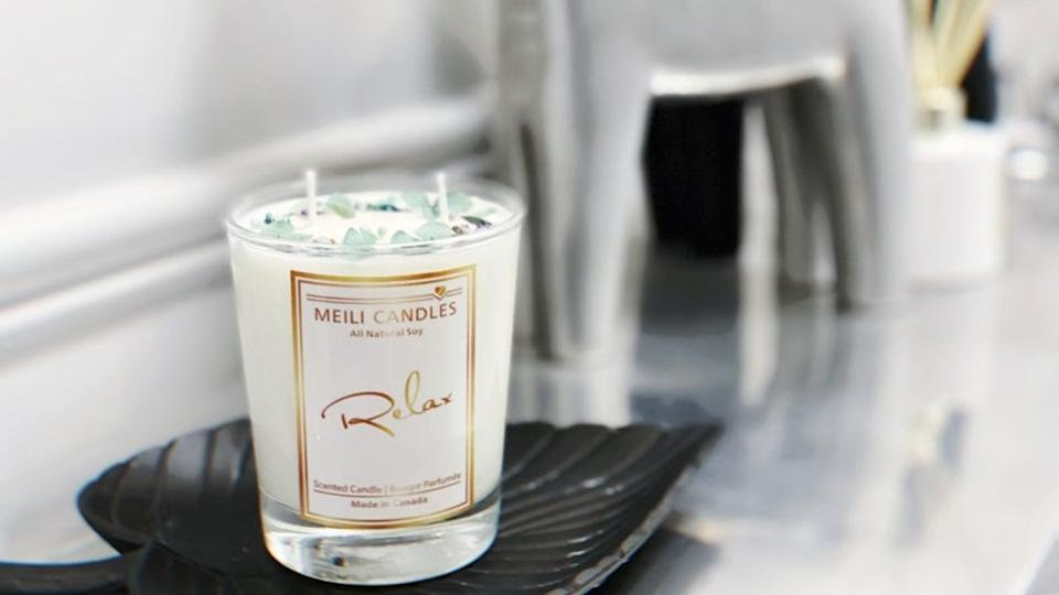 MeiliCandles Aromatherapy Candle. (Image via Etsy)