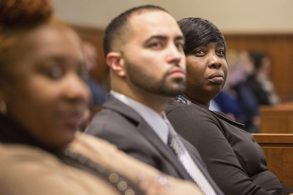 Ursula Ward (R), mother of Odin Lloyd, attends the murder trial of former New England Patriots tight end Aaron Hernandez at Bristol County Superior Court in Fall River, Massachusetts February 3, 2015. Hernandez is accused of murdering semi-professional football player Odin Lloyd in June, 2013. Hernandez has also has been accused of killing two men outside a Boston nightclub in 2012 following a dispute over a spilled drink. REUTERS/Aram Boghosian/The Boston Globe/Pool (UNITED STATES - Tags: CRIME LAW SPORT)