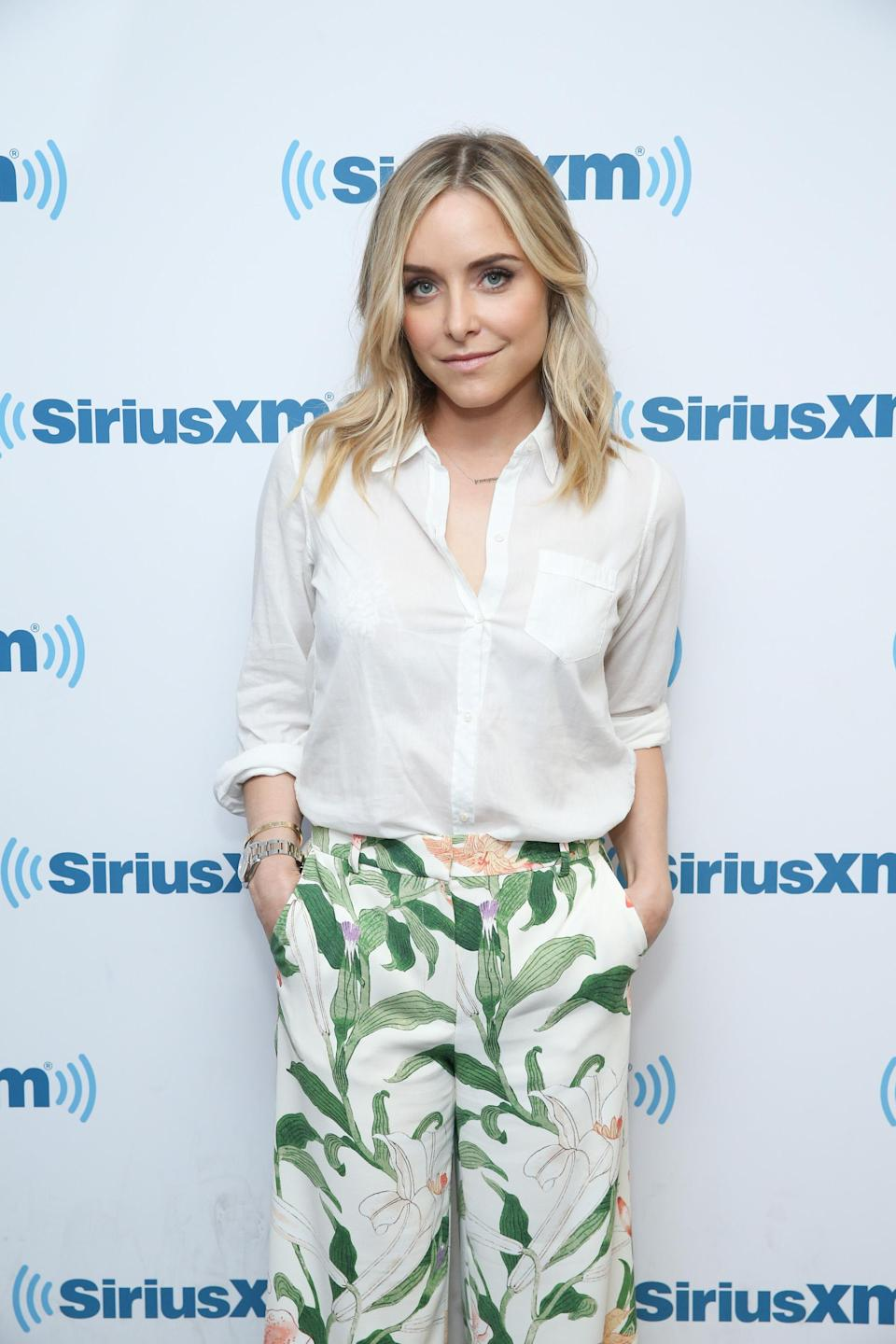 Author and actress, Jenny Mollen. Image via Getty Images.