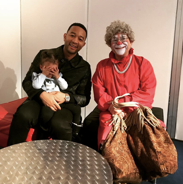 "<p>Looks like Luna Legend isn't a fan of clowns — even with her dad, John Legend, protecting her. Same, Luna, same. (Photo: <a href=""https://www.instagram.com/p/Bc0B40Entt8/?taken-by=chrissyteigen"" rel=""nofollow noopener"" target=""_blank"" data-ylk=""slk:Chrissy Teigen via Instagram"" class=""link rapid-noclick-resp"">Chrissy Teigen via Instagram</a>) </p>"