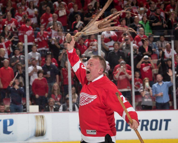 Red wings fans threw 35 octopuses on ice in joe louis arena farewell the detroit red wings won their final game at joe louis arena on sunday 4 1 over the burnt out husk known as the new jersey devils as the wings bid voltagebd Images