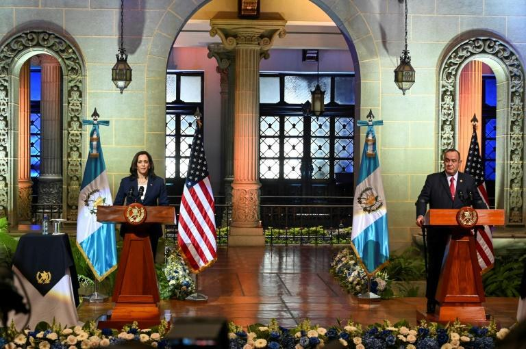 US Vice President Kamala Harris (L) and Guatemalan President Alejandro Giammattei deliver a joint press conference in Guatemala City