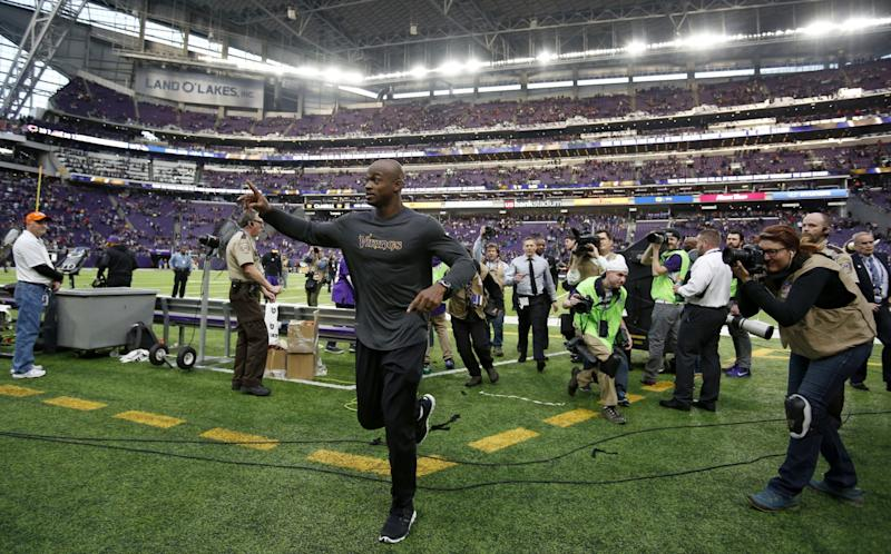 9cf79fb6 Adrian Peterson wants to remain with Vikings but also eyeing Giants ...