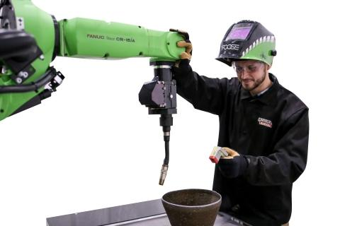 FANUC Introduces Collaborative Arc Welding Robot at FABTECH 2019
