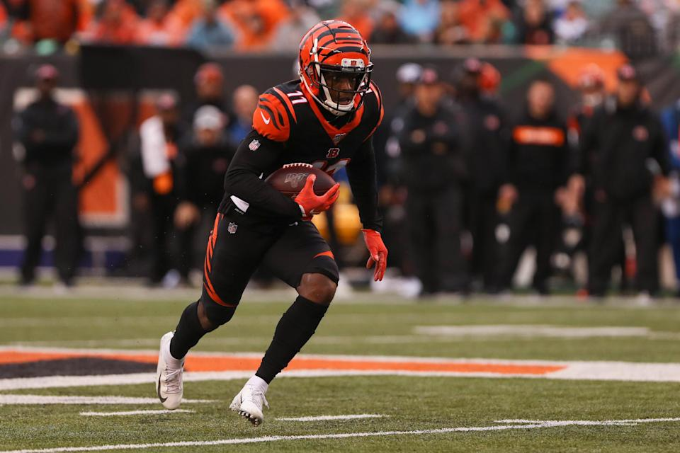 """Cincinnati Bengals wide receiver John Ross carries the ball during the game against the <a class=""""link rapid-noclick-resp"""" href=""""/nfl/teams/cleveland/"""" data-ylk=""""slk:Cleveland Browns"""">Cleveland Browns</a> on Dec. 29, 2019, at Paul Brown Stadium in Cincinnati, Ohio. (Ian Johnson/Icon Sportswire/Getty Images)"""