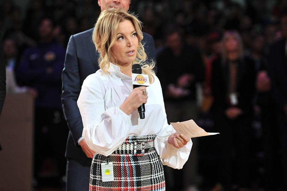 LOS ANGELES, CA - DECEMBER 18:  Lakers owner Jeanie Buss speaks at Kobe Bryant's jersey retirement ceremony during halftime of a basketball game between the Los Angeles Lakers and the Golden State Warriors at Staples Center on December 18, 2017 in Los Angeles, California.  (Photo by Allen Berezovsky/Getty Images)