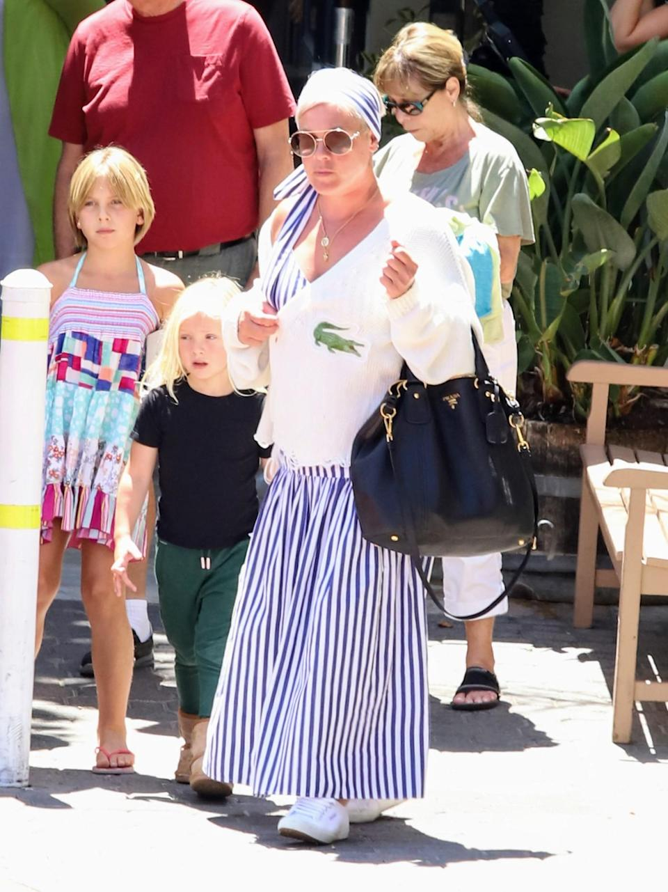 Pink seen having lunch with her parents in Malibu, Calif. - Credit: APEX / MEGA