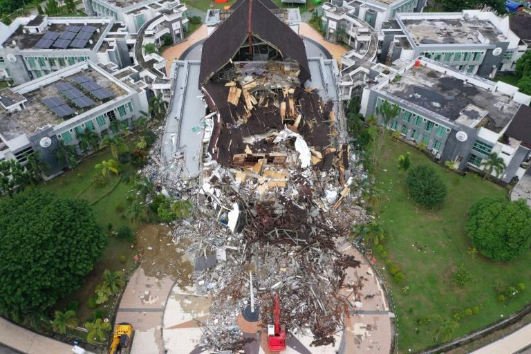 Authorities in Indonesia are searching for survivors and bodies after a deadly earthquake on Sulawesi island