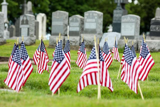 <p>American flags are seen on the graves of the fallen soldiers that were part of the armed forces during different wars as part of the Memorial Day Weekend on May 27, 2017 in New Jersey. (Photo: William Volcov/Brazil Photo Press/LatinContent/Getty Images) </p>