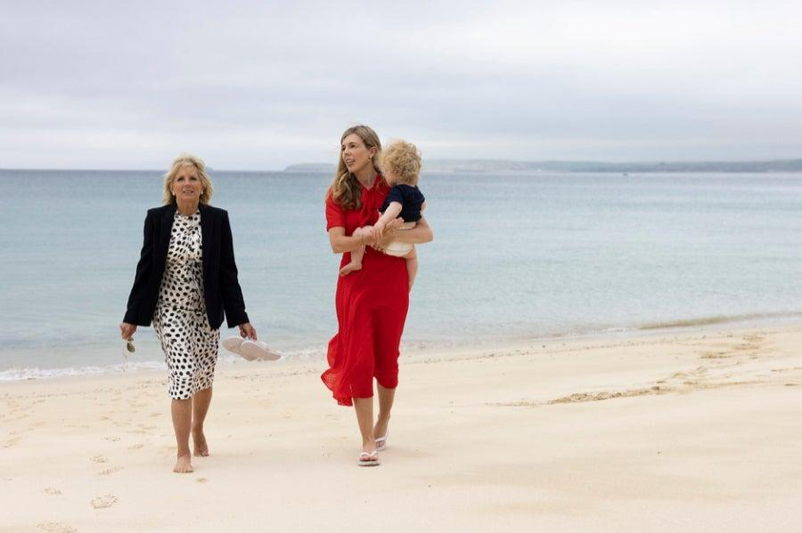 On the beach in Carbis Bay (Simon Dawson/No 10 Downing Street)