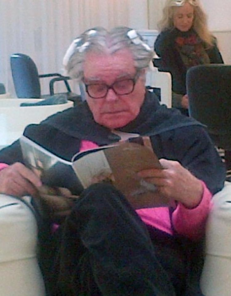 """***No WEB UNTIL MARCH 4*** EXCLUSIVE: The 83-year-old movie star Robert Wagner has his highlights sorted at Byron's in Beverly Hills. """"Robert didn't seem to ahve a care in the world,"""" a witness said. """"He looked very relaxed."""" Pictured: Robert Wagner Ref: SPL502771  270213   EXCLUSIVE Picture by: Splash News   Splash News and Pictures Los Angeles:310-821-2666 New York:212-619-2666 London:870-934-2666 photodesk@splashnews.com"""