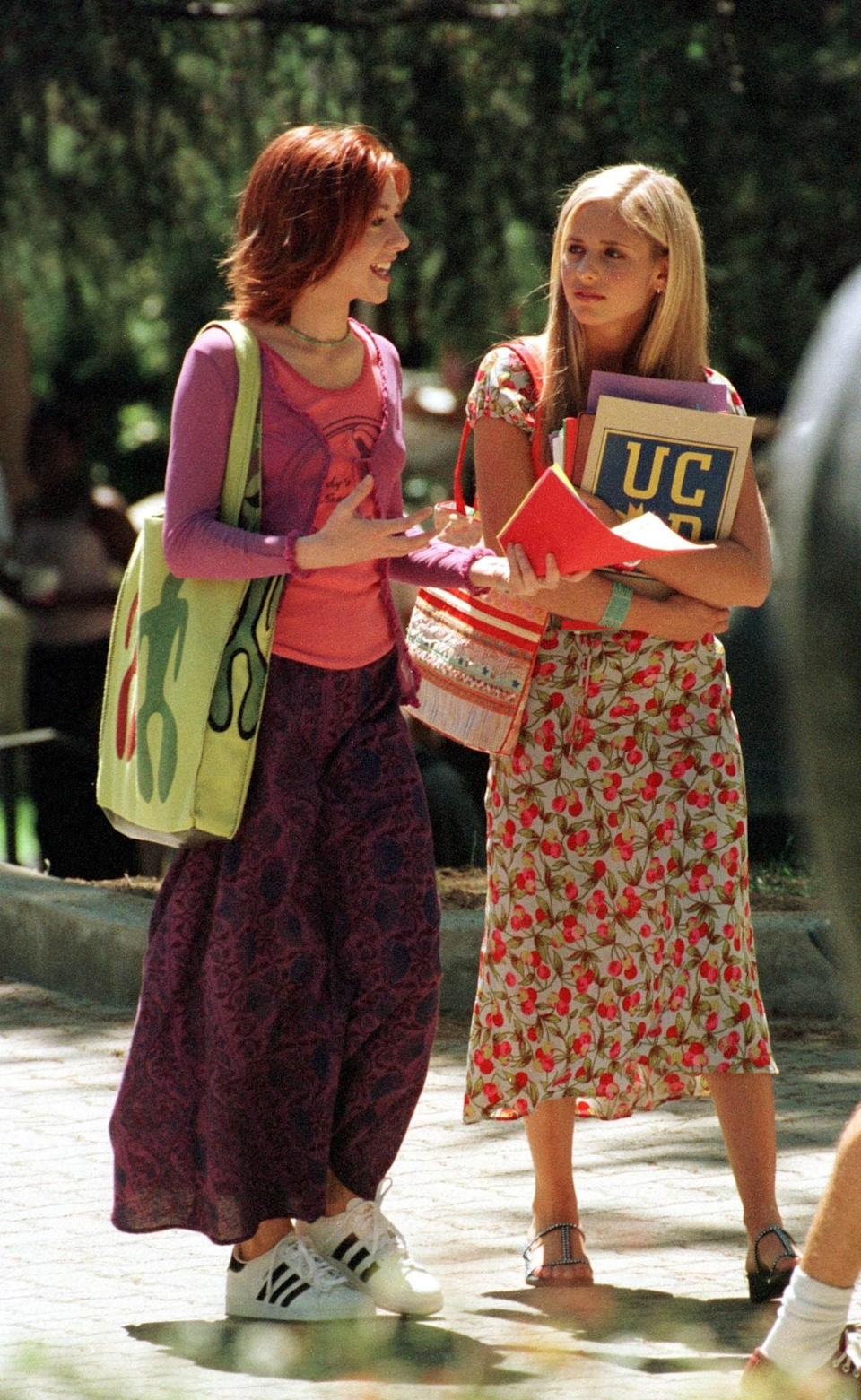 Again, these two played best friends in 'Buffy', but the reality was somewhat different.<br /><br />In news that just might spoil your childhood memories of the supernatural show, the two's squabbles reached fever pitch when Sarah Michelle Gellar announced she was stepping down from the show in Entertainment Weekly, reportedly without consulting the rest of the cast.