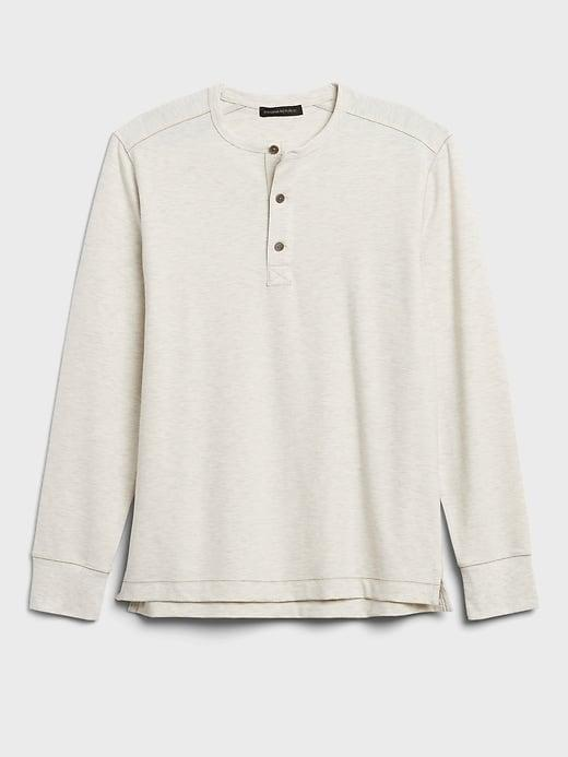 <p>This <span>Banana Republic Cozy Henley T-Shirt</span> ($20-$50) comes in neutral colors for someone who likes to stock the basics.</p>