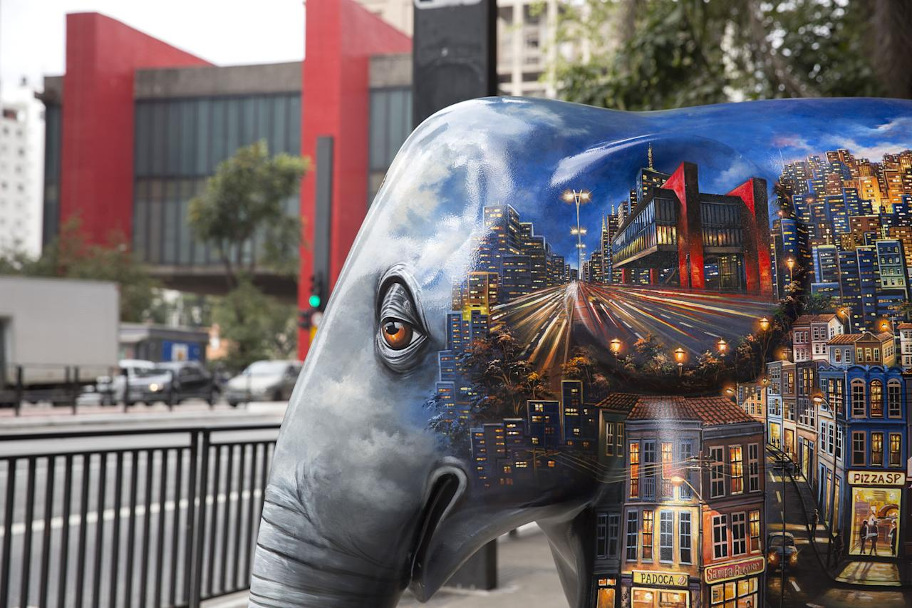 <p>An elephant sculpture as part of the 'Elephant Parade' at the Paulista Avenue in Sao Paulo, Brazil, Aug. 1, 2017. (Photo: Sebastiao Moreira/EPA/REX/Shutterstock) </p>