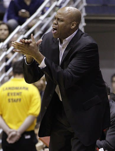 Oregon State coach Craig Robinson cheers on his team during the first half of an NCAA college basketball game against California, Saturday, Feb. 18, 2012, in Berkeley, Calif. (AP Photo/Ben Margot)