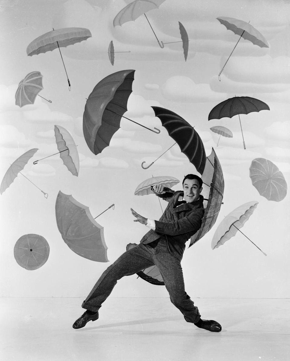 <p><em>Singin' In The Rain</em> — starring Gene Kelly, Donald O'Connor, and Debbie Fields — was released and became an instant classic. Fields' moniker, Deborah, was in the top 5 names for girls. At the top, James, Robert, John, Linda, Mary, and Patricia remained popular.</p>