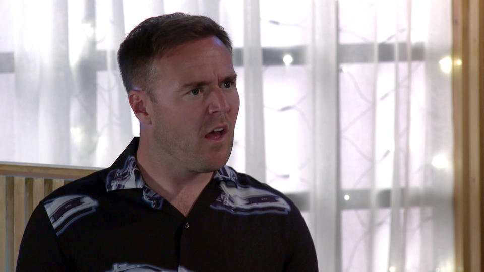 FROM ITV  STRICT EMBARGO - No Use before Tuesday 13th July 2021  Coronation Street - Ep 1038485  Friday 23rd July 2021   In a bid to make peace, Phill  [JAMIE KENNA] pays Tyrone DobbsÕ [ALAN HALSALL]  bill. TyroneÕs humiliated and takes a drunken swing at Phill causing him to trip. Fiz Stape [JENNIE McALPINE] is shocked.    Picture contact David.crook@itv.com   This photograph is (C) ITV Plc and can only be reproduced for editorial purposes directly in connection with the programme or event mentioned above, or ITV plc. Once made available by ITV plc Picture Desk, this photograph can be reproduced once only up until the transmission [TX] date and no reproduction fee will be charged. Any subsequent usage may incur a fee. This photograph must not be manipulated [excluding basic cropping] in a manner which alters the visual appearance of the person photographed deemed detrimental or inappropriate by ITV plc Picture Desk. This photograph must not be syndicated to any other company, publication or website, or permanently archived, without the express written permission of ITV Picture Desk. Full Terms and conditions are available on  www.itv.com/presscentre/itvpictures/terms