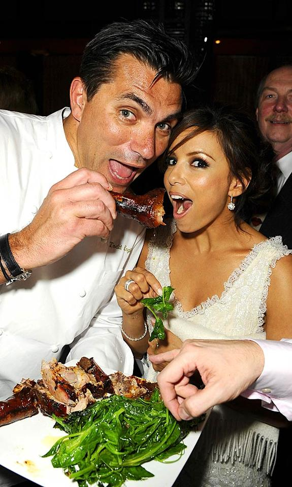 """The """"Desperate Housewives"""" star took a moment to pose with partner/executive chef Todd English and one of Beso's signature dishes. Michael Caulfield/<a href=""""http://www.wireimage.com"""" target=""""new"""">WireImage.com</a> - March 6, 2008"""