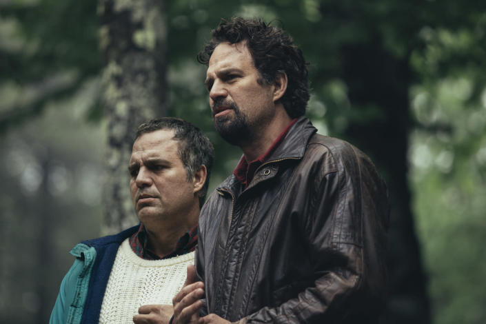 """Mark Ruffalo as Thomas (left) and Dominick Birdsey in 'I Know This Much Is True' <span class=""""copyright"""">Atsushi Nishijima/HBO</span>"""