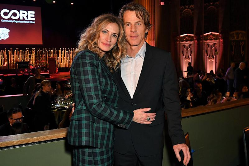 Julia Roberts Posts Rare Pic With Husband Danny Moder On Anniversary