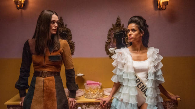 Keira Knightley and Gugu Mbatha-Raw in Miss World drama 'Misbehaviour'. (Credit: Pathe)