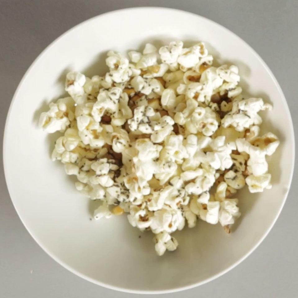<p>Full of umami-rich flavors inspired by the classic bagel, this easy popcorn snack is sure to make your mouth water.</p>