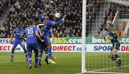 Britain Soccer Football - Newcastle United v Leeds United - Sky Bet Championship - St James' Park - 14/4/17 Newcastle's Jamaal Lascelles scores their first goal Action Images / Carl Recine Livepic