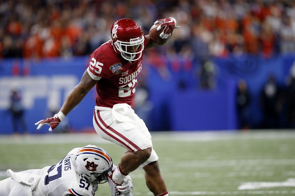 Oklahoma RB Joe Mixon won't be drafted by the Miami Dolphins, reportedly. (AP)