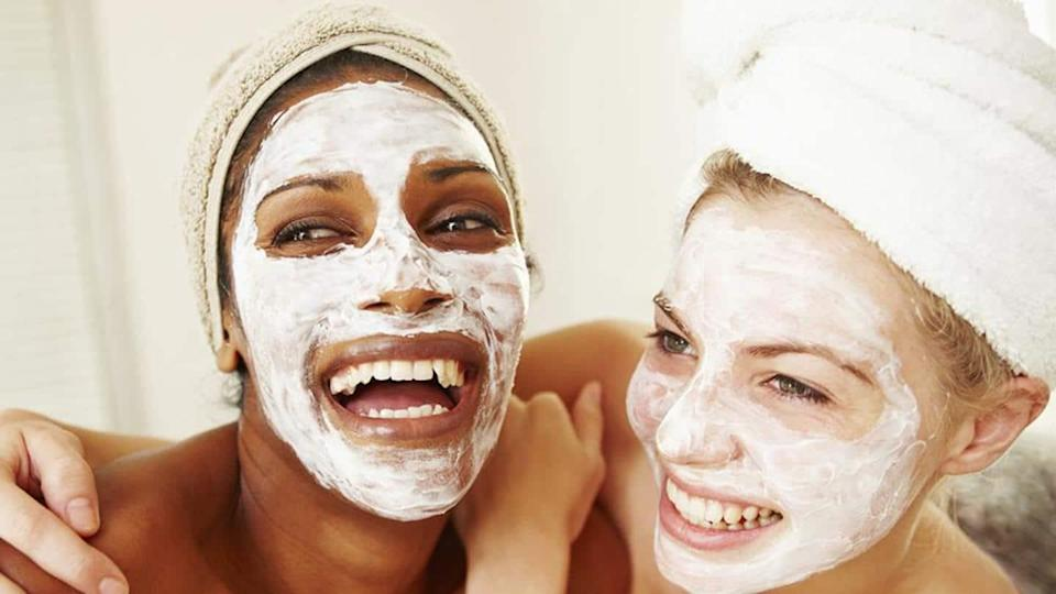 The benefits of applying curd on your skin