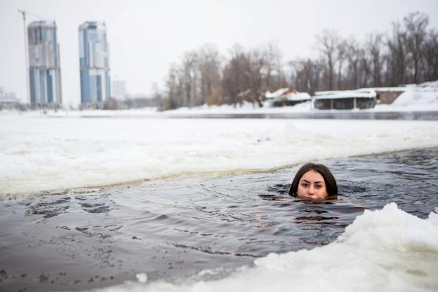 Would you submerge in minus-zero temperatures in the name of beauty? (Photo: David Tesinsky/Caters)