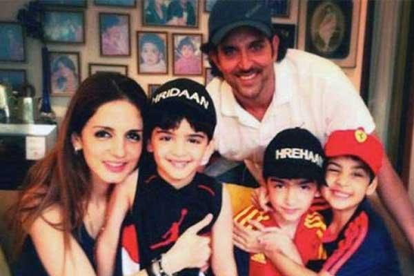 Hrithik-Roshan-and-Sussane-Khan-with-their-kids