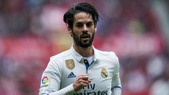 Fresh off his man of the match performance against Deportivo La Coruña on Wednesday night, ​Real Madrid may have Spanish model Carmen Munoz to thank if midfield playmaker Isco decides to ignore European interest and stay at the Bernabeu. Isco has drawn interest from Tottenham, Chelsea, Liverpool and others due to his form for Madrid this season, where he has scored 10 league goals for the first time in his career, despite not always being in the starting line-up. According to reports, Isco is...