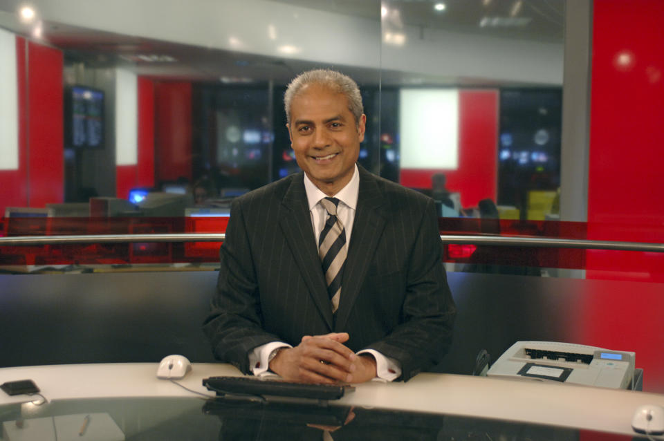 BBC News presenter / newsreader George Alagiah on the set of BBC World News. 21/04/2006. (Photo by Jeff Overs/BBC News & Current Affairs via Getty Images)