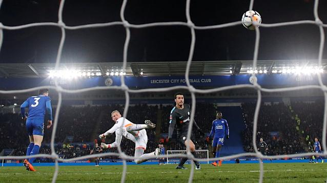 Soccer Football - FA Cup Quarter Final - Leicester City vs Chelsea - King Power Stadium, Leicester, Britain - March 18, 2018 Chelsea's Pedro scores their second goal REUTERS/Andrew Yates