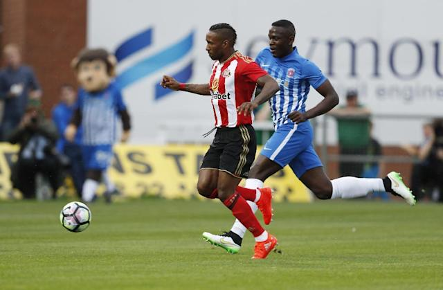 Britain Football Soccer - Hartlepool United v Sunderland - Pre Season Friendly - Victoria Park - 20/7/16 Jermain Defoe scores the first goal for Sunderland Action Images via Reuters / Lee Smith Livepic
