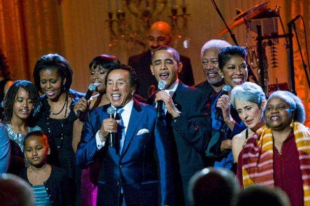 PHOTO: President Barack Obama and his family sing 'Lift Every Voice and Sing' with musicians for the finale at 'In Performance at the White House: A Celebration of Music from the Civil Rights Movement,' Feb. 9, 2010. (Brooks Kraft/Corbis via Getty Images)