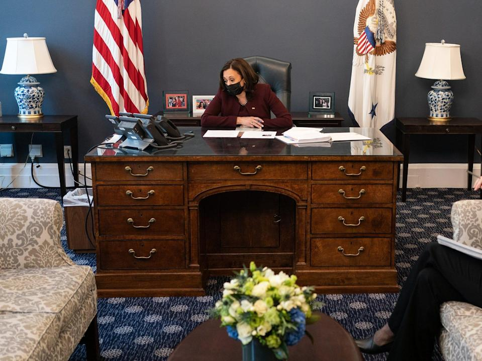 kamala harris west wing office