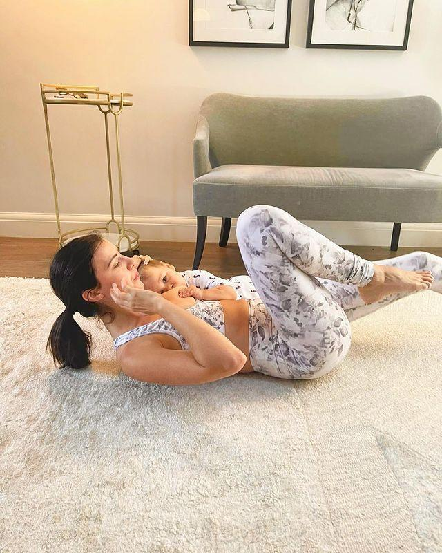 """<p>No stranger to the importance of core exercises (she has her own training app for goodness sake), Mecklenburgh likes to multitask when it comes to ticking everything off the list. Pictured doing (what we're sure are very slow and controlled) <a href=""""https://www.womenshealthmag.com/uk/fitness/workouts/a35039601/bicycle-crunches/"""" rel=""""nofollow noopener"""" target=""""_blank"""" data-ylk=""""slk:bicycle crunches"""" class=""""link rapid-noclick-resp"""">bicycle crunches</a>, she also feeds little Roman as she goes. </p><p>'Mama multitasking at its best!' she captioned the shot, decked out in a snazzy <a href=""""https://www.womenshealthmag.com/uk/gym-wear/a708199/best-gym-leggings/"""" rel=""""nofollow noopener"""" target=""""_blank"""" data-ylk=""""slk:gym leggings"""" class=""""link rapid-noclick-resp"""">gym leggings</a>/<a href=""""https://www.womenshealthmag.com/uk/gym-wear/a706946/best-sports-bra/"""" rel=""""nofollow noopener"""" target=""""_blank"""" data-ylk=""""slk:sports bra"""" class=""""link rapid-noclick-resp"""">sports bra</a> combo in her living room. </p><p>Read what one woman found doing <a href=""""https://www.womenshealthmag.com/uk/fitness/workouts/a35039601/bicycle-crunches/"""" rel=""""nofollow noopener"""" target=""""_blank"""" data-ylk=""""slk:bicycle crunches every day"""" class=""""link rapid-noclick-resp"""">bicycle crunches every day</a> for a fortnight. </p><p><a href=""""https://www.instagram.com/p/CQdO-BbjjWR/"""" rel=""""nofollow noopener"""" target=""""_blank"""" data-ylk=""""slk:See the original post on Instagram"""" class=""""link rapid-noclick-resp"""">See the original post on Instagram</a></p>"""