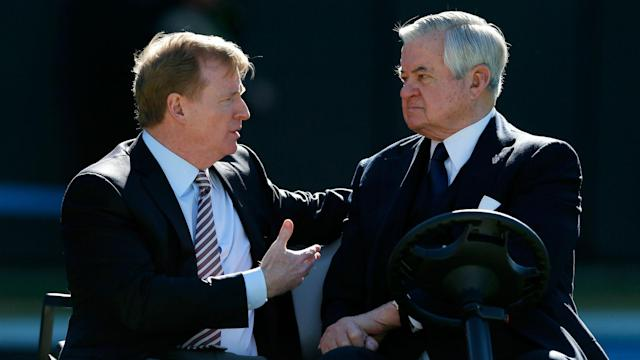 NFL Commissioner Roger Goodell (L) and Carolina Panthers owner Jerry Richardson (Getty)