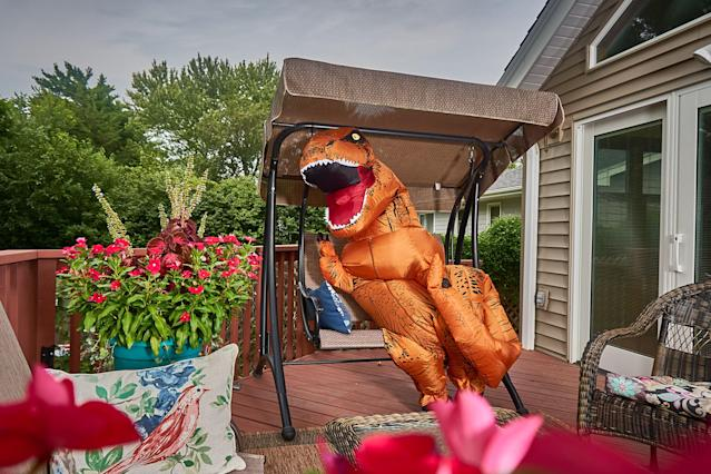 <p>Drinking a glass of wine in the garden. (Photo: Nebraska Realty/Caters News) </p>