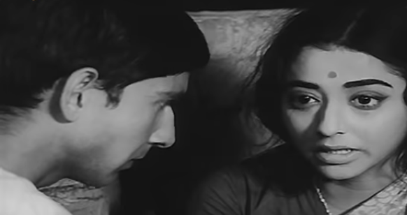 The year 1969 marked the beginning of New Wave Cinema, and Basu Chatterjee debuted with the strikingly distinct <em>Sara Akash</em> featuring Rakesh Pandey and Madhu Chakravarty. Based on the first part of Rajendra Yadav's eponymous novel, the film is a tender tale of a newly married couple that struggles to build a rapport.