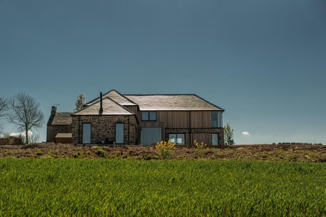 "<p>Location, location, location! The plot sits on top of a brae with fantastic panoramic views. The brief of the client requested a space where he could relax while watching the weather approach from the Crieff, which had to be incorporated throughout the proposed house as a major feature of the design. </p><p>Whether it's an extension, a full-on renovation or just some spruce-ups at home, have a look at our list of <a rel=""nofollow"" href=""https://www.homify.co.uk/professionals"">professionals</a> who can help you out.</p>  Credits: homify / Woodside Parker Kirk Architects"