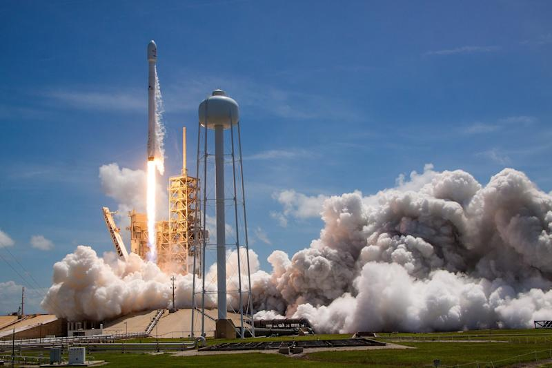 SpaceX Iridium Launch: Photos From The Launch Pad