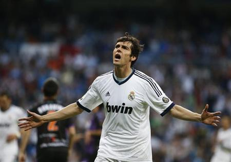 Real Madrid's Kaka celebrates his goal against Real Valladolid during their Spanish first division soccer match at Santiago Bernabeu stadium in Madrid May 4, 2013. REUTERS/Susana Vera