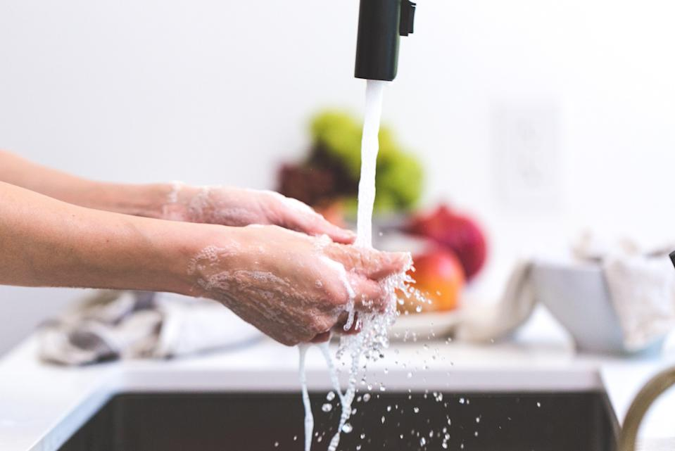 84 percent of us don't wash our hands correctly according to new research [Photo: Pexels]